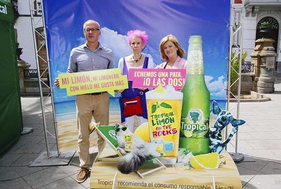 Tropical 'echa una pata' para sensibilizar a la población contra el abandono de animales