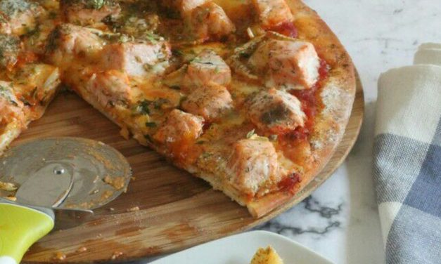 PIZZA DE SALMON Y QUESO BRIE AL ENELDO
