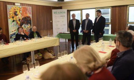 UNA VEINTENA DE INVIDENTES PARTICIPA EN UNA CATA DE PRODUCTOS AGROALIMENTARIOS DE CANARIAS